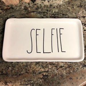 "Rae Dunn jewelry tray ""Selfie"""